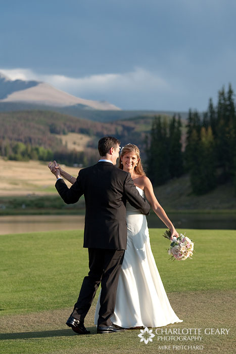 Mountain cabin wedding in Colorado